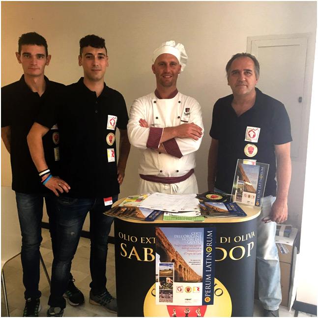 Le guide del progetto insieme allo chef